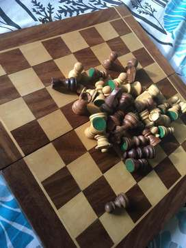Pure Wooden Chess Board (BROWN/white)