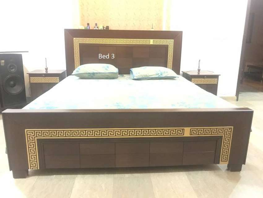Bed Wooden complete with dressing 0