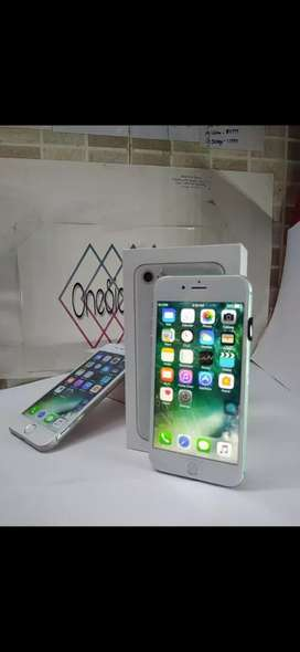 Get Apple iPhone 8 available at best price