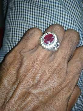 Batu Ruby merah