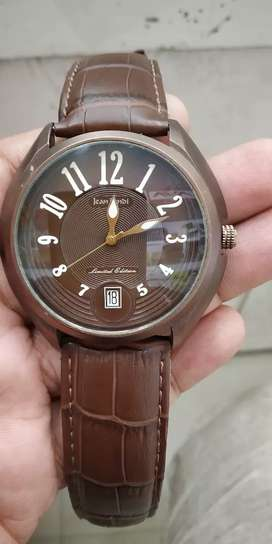 Nice watch for man for professional look