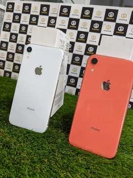 iPhone XR 64 & 256gb