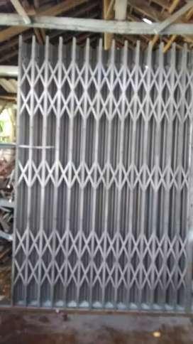 Jasa pembuatan pintu/ pagar