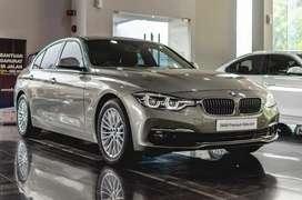 BMW 320i Luxury NIK 2018 km 12500 RENDAH