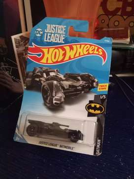 Hotwheels Justice league series. BatMobile- Mobil Batman.