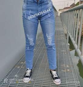 Celana Jeans Cowok Sobek