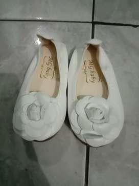 Dijual sepatu anak