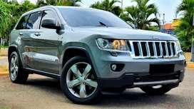 Jeep Grand Cherokee 4WD overland CBU fullspec AT 2011 gray