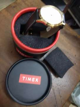 TIMEX MENS STRAP WATCH ( sealed )