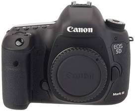 Canon 5D Mark III with canon 24-70mm f 2.8L