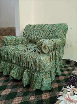 5 seatar sofa in good condition for sale with new sofa cover