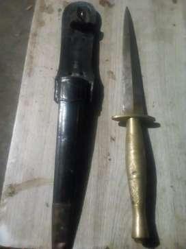 Jual barang antik pisau blati