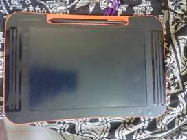 Tablet : Boogie Board Sync 9.7 inch ewriter. 1.5 yrs old.