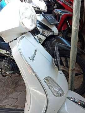 Jual Vespa lx 125 warna putih mulus