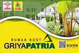 Kost Hebat Harga Bersahabat, Pusat Kota Malang, Didepan Hotel Atria.
