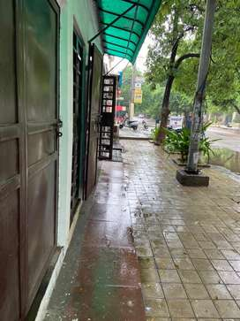 270 sq.ft main road facing shop available for rent