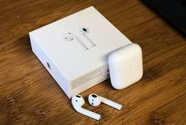 Apple Airpods 2 (master copy) with wireless charging case.