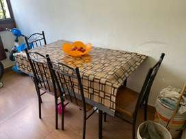 4seater dinning table for immidiate sale