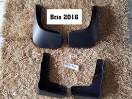 MInggu buka Karpet Lumpur Brio'16 RS Hitam Plastik Set 4 Pcs