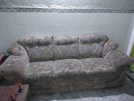 Sofa set for sale in good condition