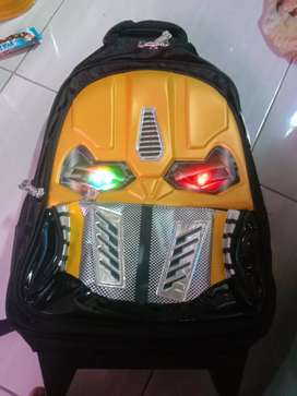 Tas trolley bumble bee