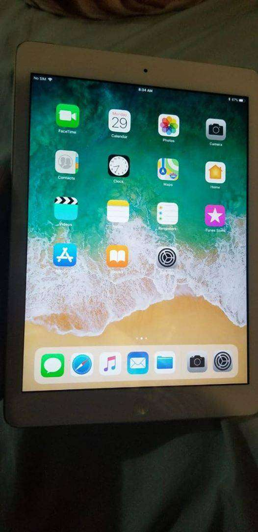 Ipad2 (Used but in great condition) 0