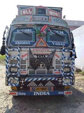 10 Tyre truck