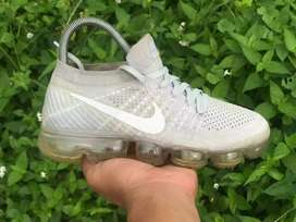 Sepatu  Nike Air Vapormax Flyknit Preloved Second Bekas Original