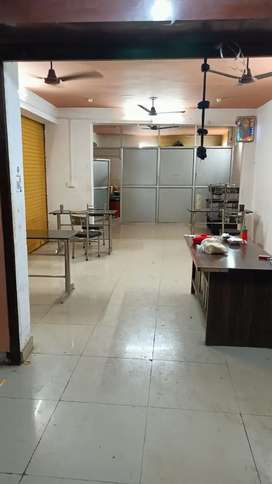 700sqft Commercial Showroom For Rent in Telibagh, Raibareilly Road.