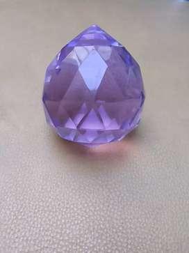 Liontin kristal dari China