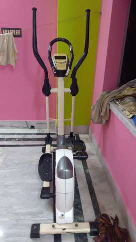 Velocity Cross Trainer for cardiovascular training specialist