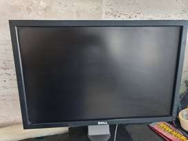 DELL MONITOR 21 INCH WIDESCREEN WITH STAND VERY GOOD CONDITION
