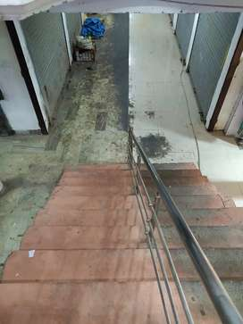 1400sqft Commercial Showroom For Rent in Chawla Market, Telibagh.