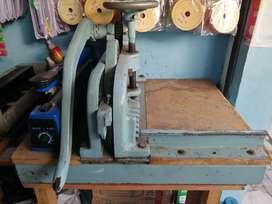 Mesin potong kertas