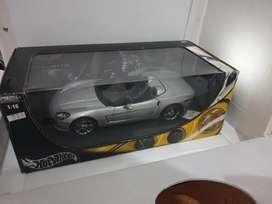 Diecast miniatur mobil chevrolete corvette c6 skala 18 hotwheels