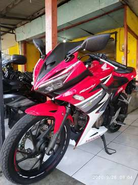 (SPM) Honda CBR 150R Led Thn 2016 Pajak Jalan Mesin Segel Aman Mulus