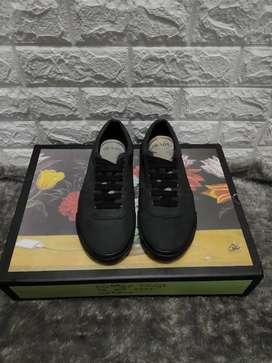 Prada original sepatu Prada