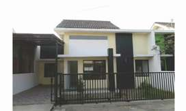 Rumah siap huni di Jalan Mauren Baturan Solo