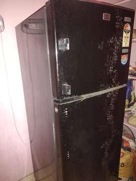 Good condition double door fridge