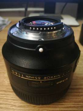 Nikon 85mm 1.8G mint condition
