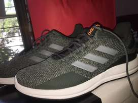Adidas original new shoes with box pack