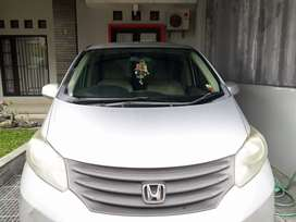 Jual Mobil Honda Freed S AT 2011 Silver