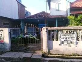 Jual Bangunan Hitung Tanah Pusat Kota Surabaya dekat Tunjungan Plaza