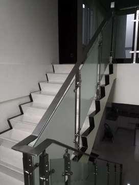 Pagar Railing tangga pintu kaca tempered kusen pintu alumunium jombang