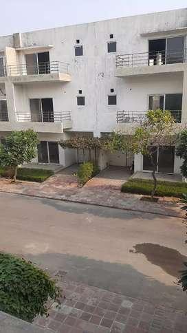 Greater Noida  Mein VILLA  Khreide