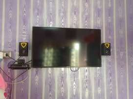 423 inchs full hd th in brand new box pack condition