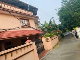 Palarivattom mamangalam jn 7cent 3200sqft 4bhk house for sale
