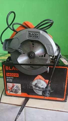BU Black decker cs1004 1400w circular saw gergaji putar unit mulus 98%