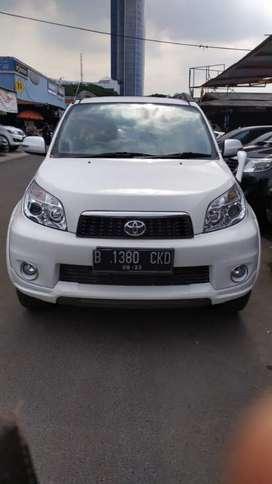 Toyota Rush G manual 2013 putih termurah