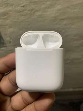 Apple Airpods 2 Charging Case only